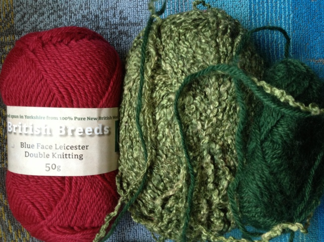 BFL plain wool and green yarn