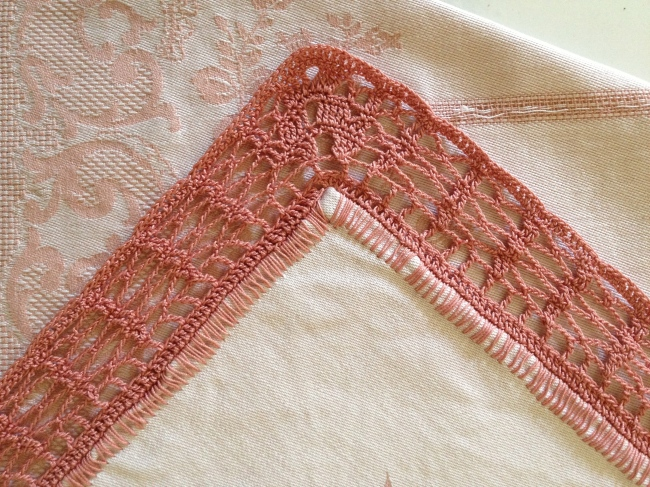 An old FO: table cloth with crochet border