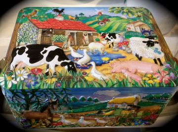 farm tin, note the ♡ sheep ♡