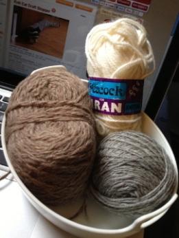 Feline Draught Stopper, yarn selection